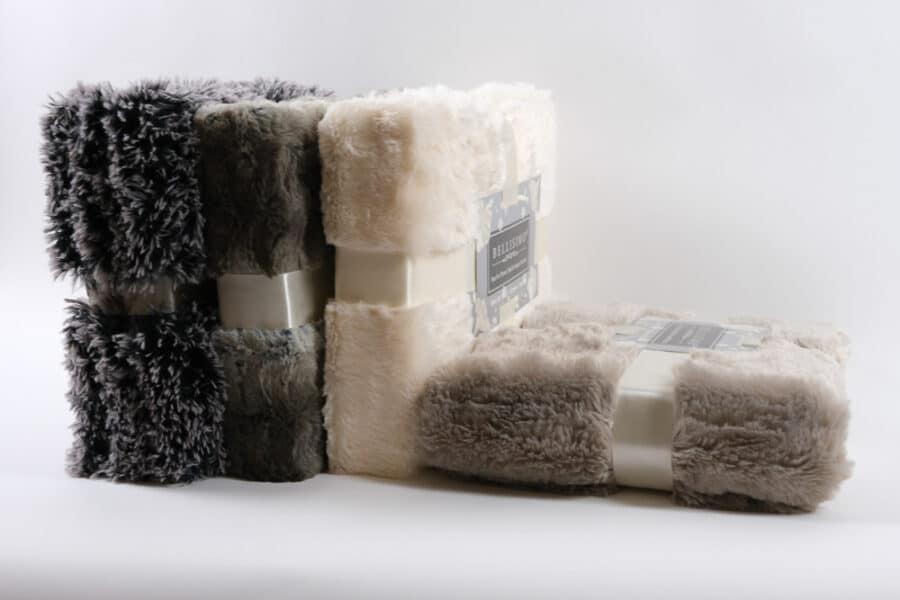 faux fur throw blanket side balooworld-fur-throw