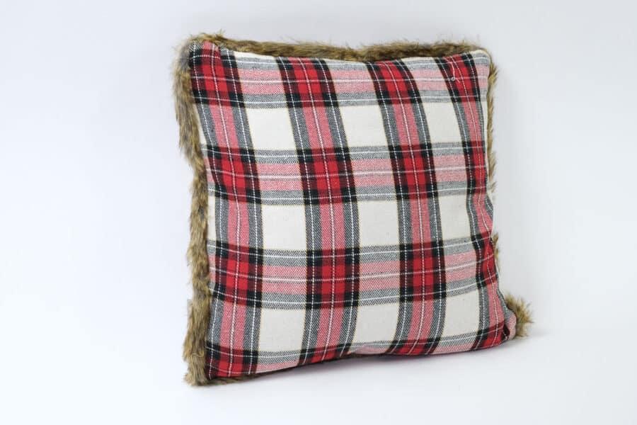 red plaid with faux fur trim cushion balooworld-cushion-cover