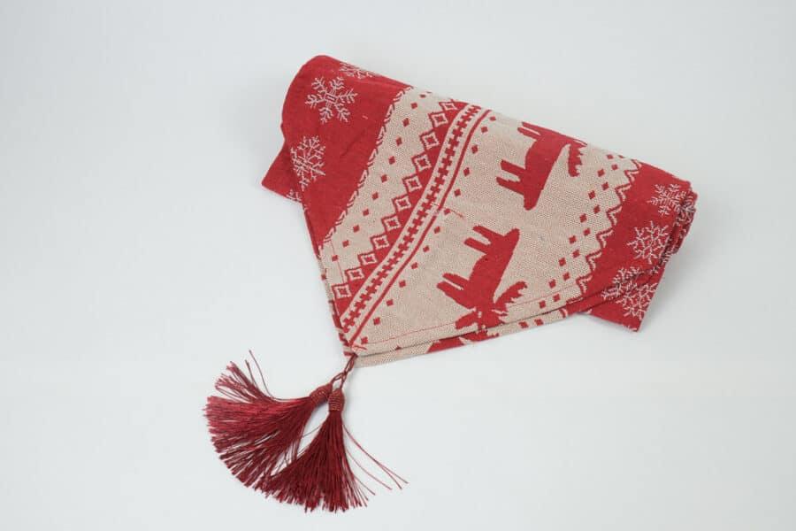 red-moose-snowflake-tablerunner-side-1